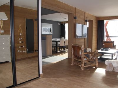 Photo for new apartment 127 m2 for 10 people facing the lake