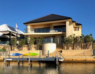 Photo for Mandurah Canals Luxury - Introductory Offer