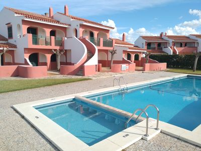 Photo for Two bedroom apartment with pool, WIFI and close to the beach.