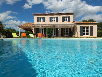 Photo for Charming villa with pool on 1600m of green air conditioning