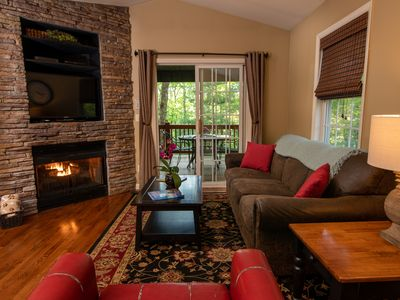Photo for Minutes to Downtown! Social Distance! Fire Pit, Hot Tub & Pet Friendly
