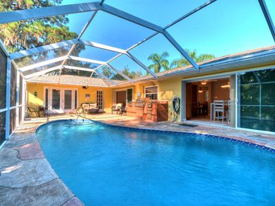 Tropical Breezes 3BR House with Pool Close to Golf, Downtown & Beaches