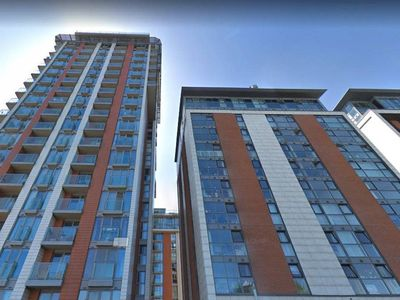 Photo for Modern & Stylish 2 bed in Canning Town, sleeps 6