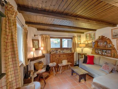 Photo for Casa Dolonne apartment in Courmayeur with private parking.