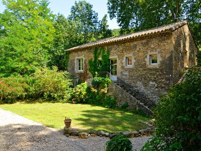 Photo for Charming farmhouse near Pont du Gard in a wooded setting (old trees)