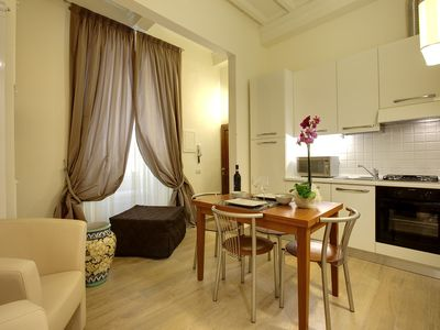 Photo for Al Bargello II apartment in Santa Croce with WiFi, air conditioning & balcony.