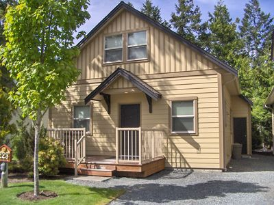 Photo for 3BR Cottage Vacation Rental in Parksville, BC