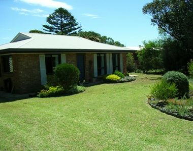 Photo for Cute Cottage - Quiet Location - Close to the Beach