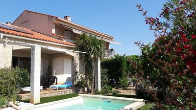 Photo for T2 independent in villa. Swimming pool. 500 meters from the sea. 30 mn walk from SANARY