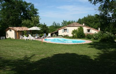 Photo for Gite Fonfrexe south of Monflanquin, with pool, quiet. 8/10 people
