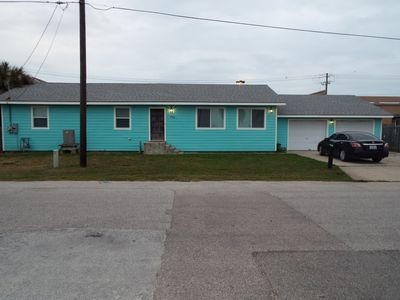 Updated 3BDR, 1 Block to Beach & Convention Center, Near Pier, Sleeps 12