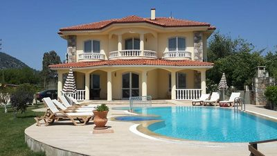 Photo for Beautiful detached villa, with private pool and gated garden, free Wi-Fi