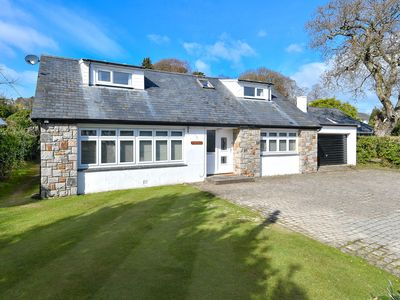 Photo for This well presented and spacious holiday home is a fabulous choice for a family seaside holiday just