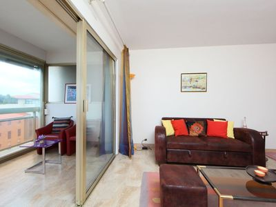 Photo for Apartment in the center of Cannes with Lift, Parking, Internet, Washing machine (668519)