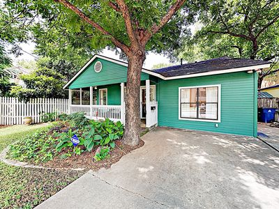 Photo for Stylish 2BR w/ Charming Backyard - Close to Zilker Park & Downtown