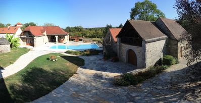 Photo for Exceptional villa close to ST Cirq Lapopie