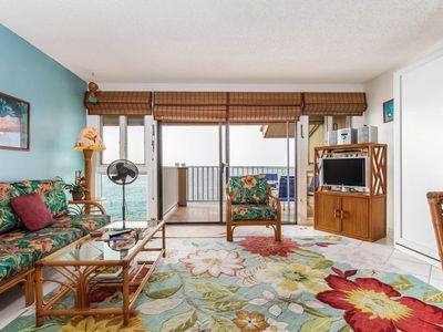Photo for Tropical oceanfront condo with lanai, washer/dryer, full kitchen, WiFi