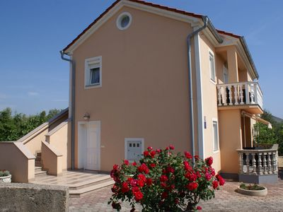 Photo for Ground floor unit for 2-3 persons - satellite TV, garden, covered terrace