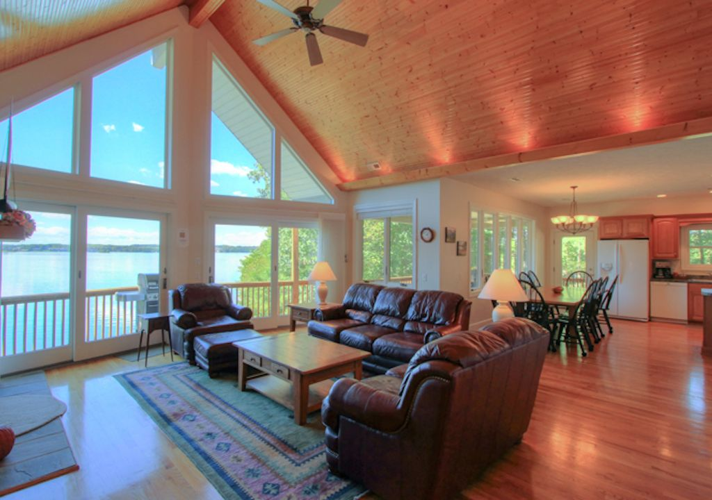 COVERED PORCHES Widest Sunset Views on Lake