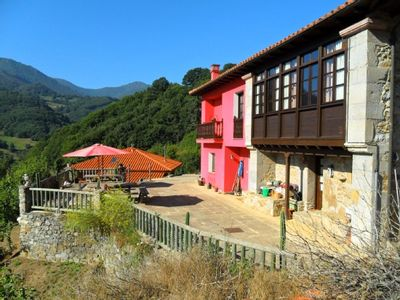 Photo for Rural apartment La Escuela for 2 people