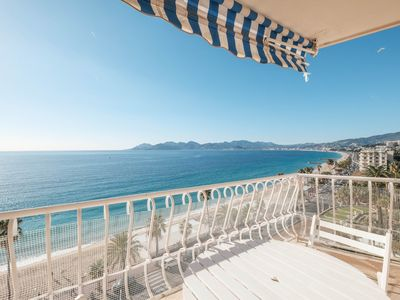 Photo for Large bright 3 rooms - sea view - in the center of Cannes