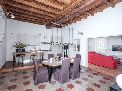 Photo for Regal Home in Trastevere - Apartment for 6 people in Roma