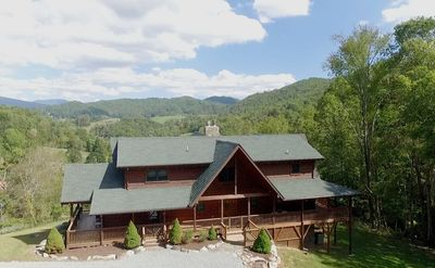 Photo for 4BR Cabin Vacation Rental in Sugar Grove, North Carolina