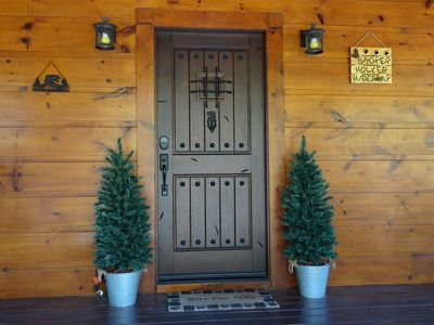 Welcome to Smoker Holler Hideaway!! We welcome you to feel at home in our cabin.