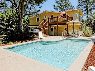 2nd Row Beach Cottage W/ Large Pool, Private Backyard!