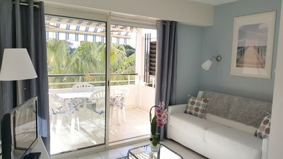 Photo for Nice apartment 3 * renovated seafront air conditioning, Wifi, pool, parking
