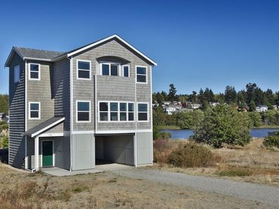 Photo for 222 - Admirals Cove Seaside Getaway