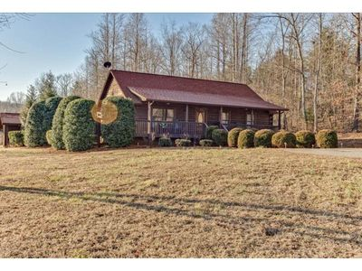 """Photo for Ridge View Cabin """"Home Away From Home"""" 2.7 miles from TIEC"""