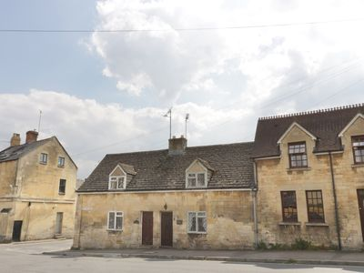 Photo for MOUSE HOLE COTTAGE, pet friendly in Winchcombe, Ref 986360