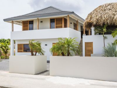 Luxury villa within walking distance of the sea