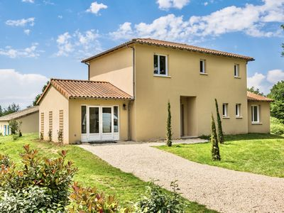 Photo for Comfortable holiday home in central France, near golf course