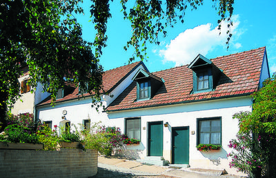 Photo for Vacation home Ferienhaus Hofgasse  in Mörbisch, Burgenland Neusiedlersee - 7 persons, 2 bedrooms