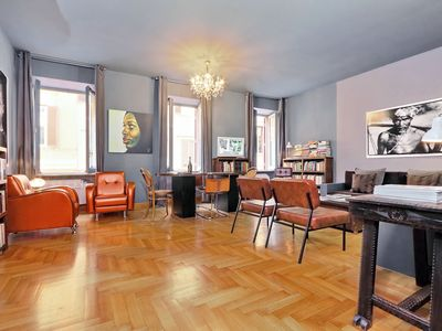 Photo for Beautiful apartment 100 meters from Spanish Steps