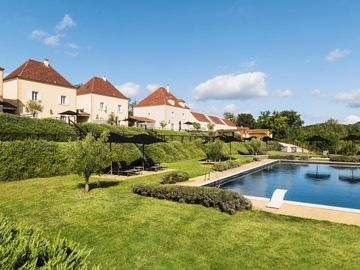 Chateau Les Merles Golf Course, Mouleydier, France