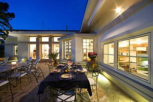 Photo for 5 bedroom Villa, sleeps 10 in Sorrento with Pool, Air Con and WiFi
