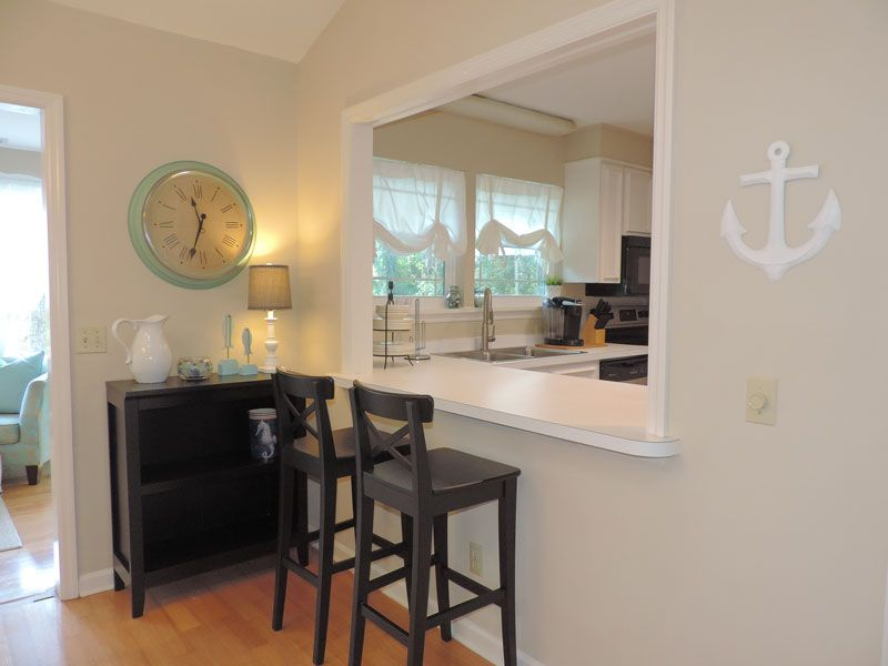 Property Image#8 Bring Fido Along! This Beautifully Decorated Homes Is Pet  Friendly October