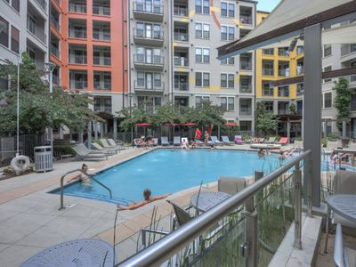 Photo for Luxurious Top Floor  Large 2 bed 2 bath Midtown Condo-Pool View #650