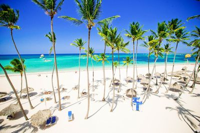 Discover the world-famous white-sand beaches of Punta Cana!