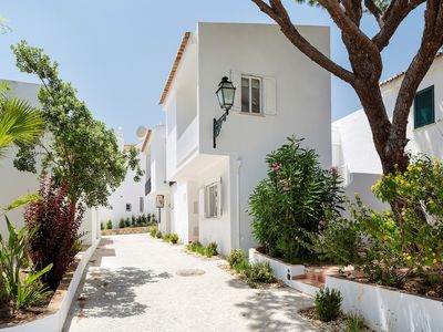 Photo for VdL 27 - Stunning, contemporary town house, walk to beach and all amenities, air con & WiFi