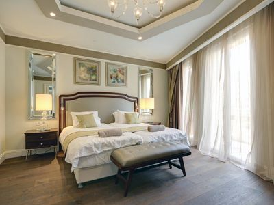Photo for WALDORF ASTORIA THE KING SUITE- Luxury apartment with an elegant style! Book now