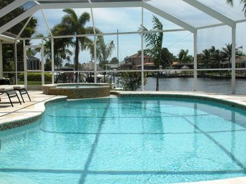 Excl. Luxury villa * Top * South facing pool * Jacuzzi * Wireless * boat dock * Tiki Hut *