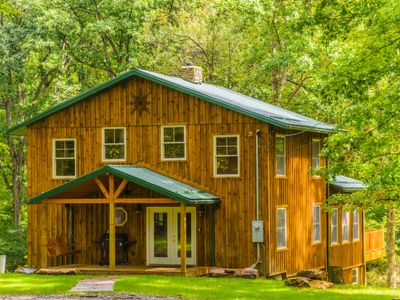 OVR's Lodge on Stony Creek! Warm and authentic MOUNTAIN LODGE! Hot Tub!