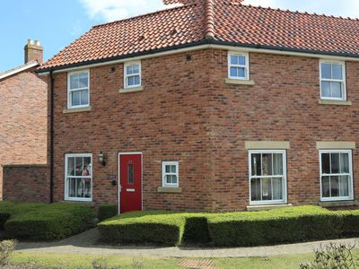 Photo for Luxury 3 bedroom cottage on The Bay, nr Filey (sleeps 6)