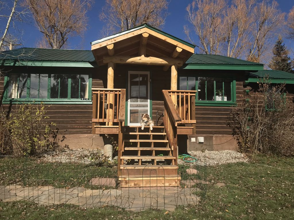Downtown steamboat springs historic log cabin steamboat for Steamboat springs cabins for rent