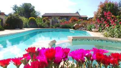 Photo for Detached villa with private pool in the Luberon (6 people)