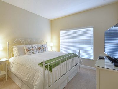 Photo for LAKE VIEW/Private Pool/2 Miles to Disney/Mini Golf/Lazy River/1 mile to The Loop